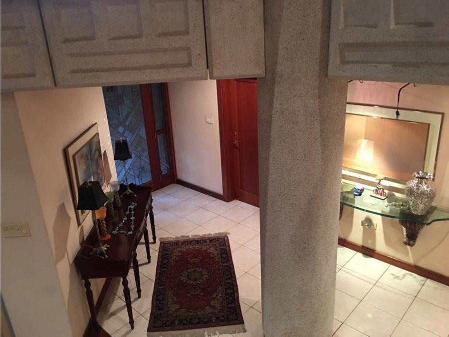 casa dentro de condominio en venta zona 14