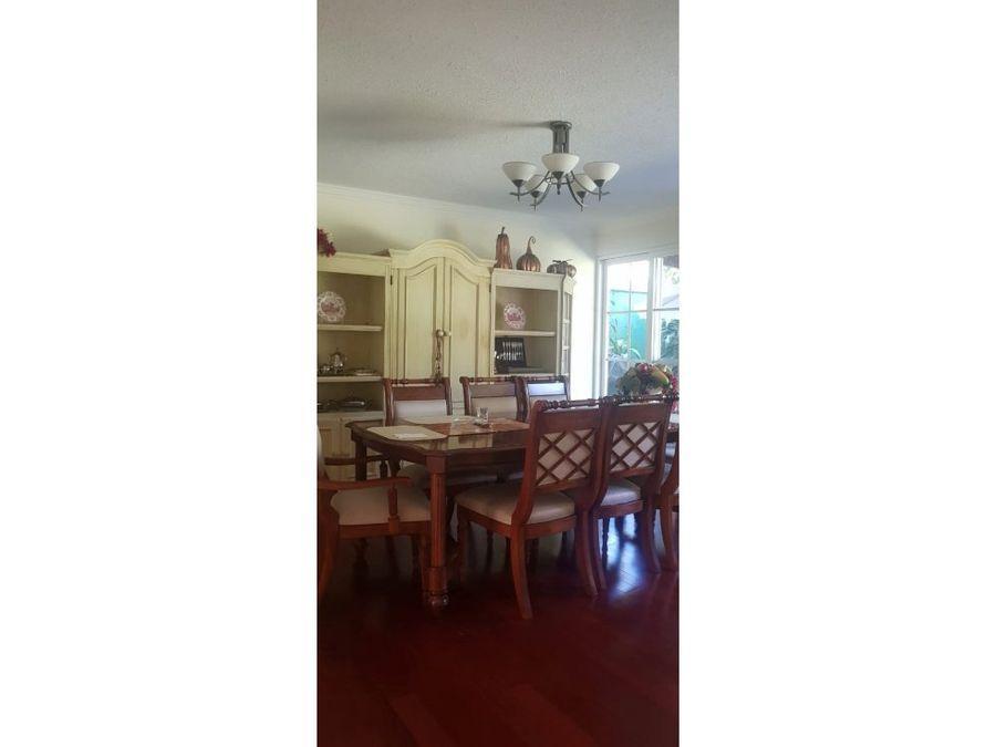 vendo casa en zona 16 en cayala