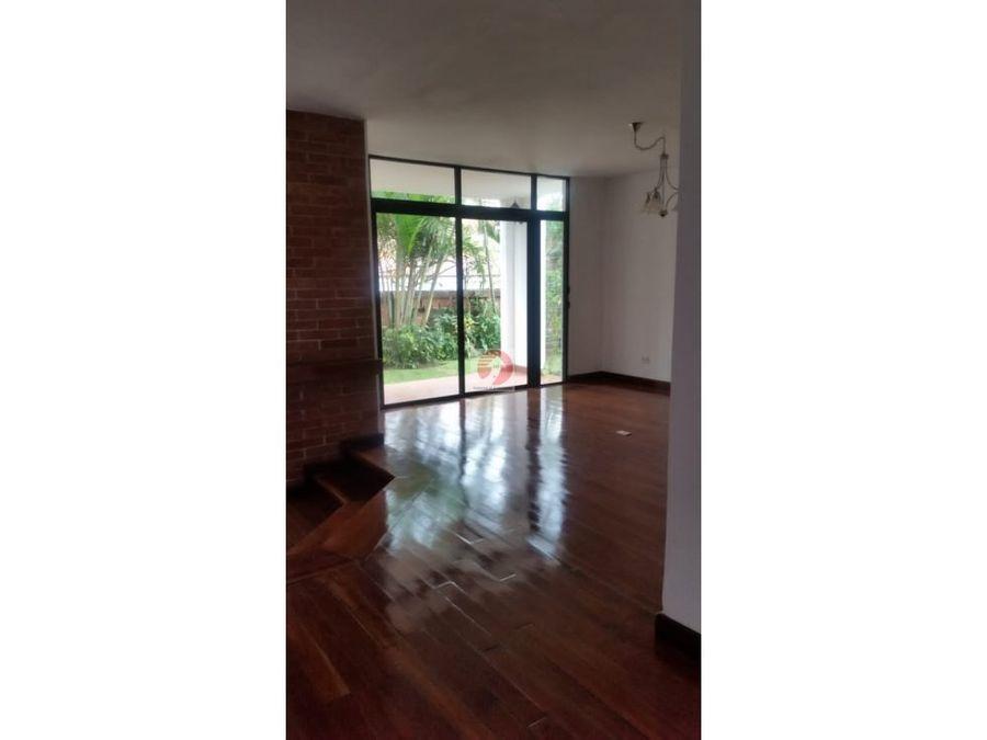 casa amplia de 3 habitaciones en alquiler ubicacion centrica zona 14