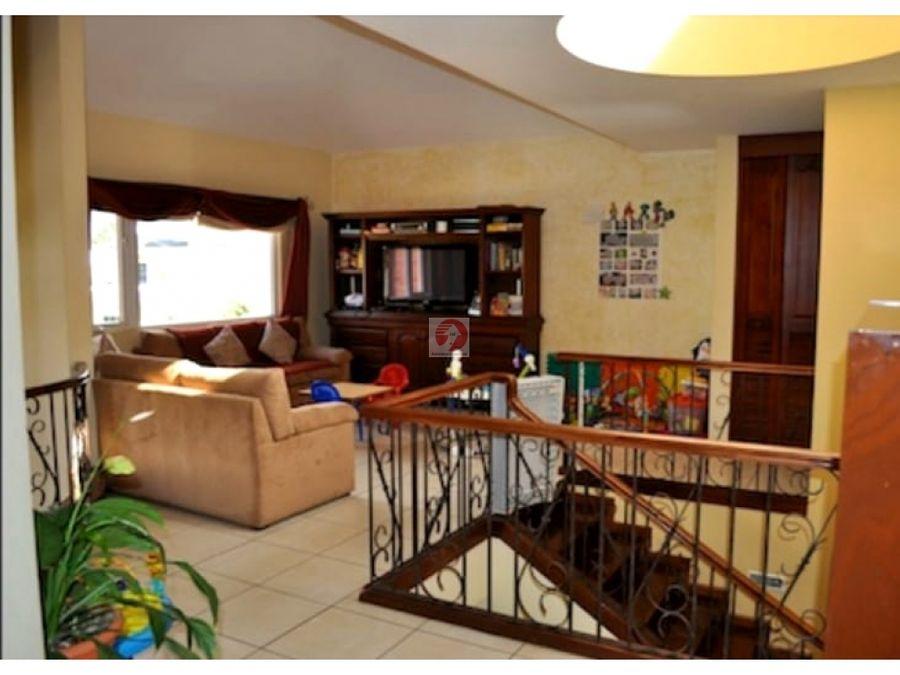 casa amplia de 3 habitaciones en venta carretera a el salvador