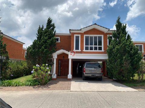 alquiler de casa espaciosa con jardin km 195 ces