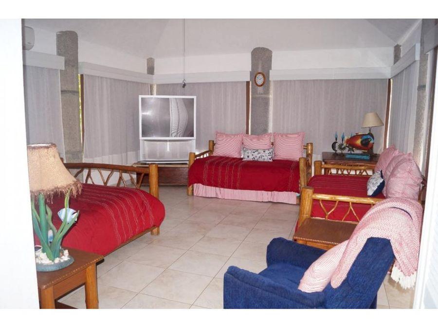 casa en la playa dentro de condominio