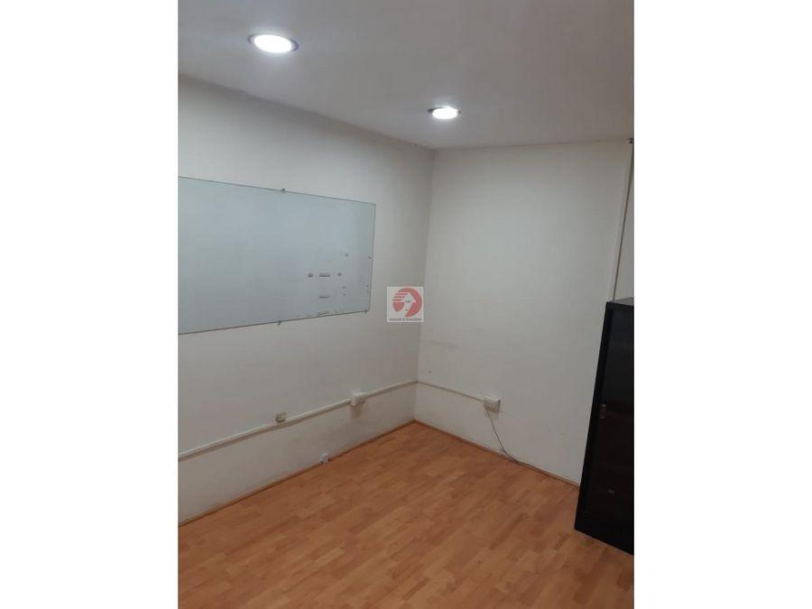 oficina espaciosa en alquiler zona 14
