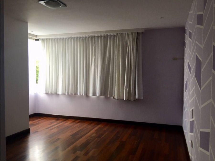 venta de apartamento en zona 15 con vista