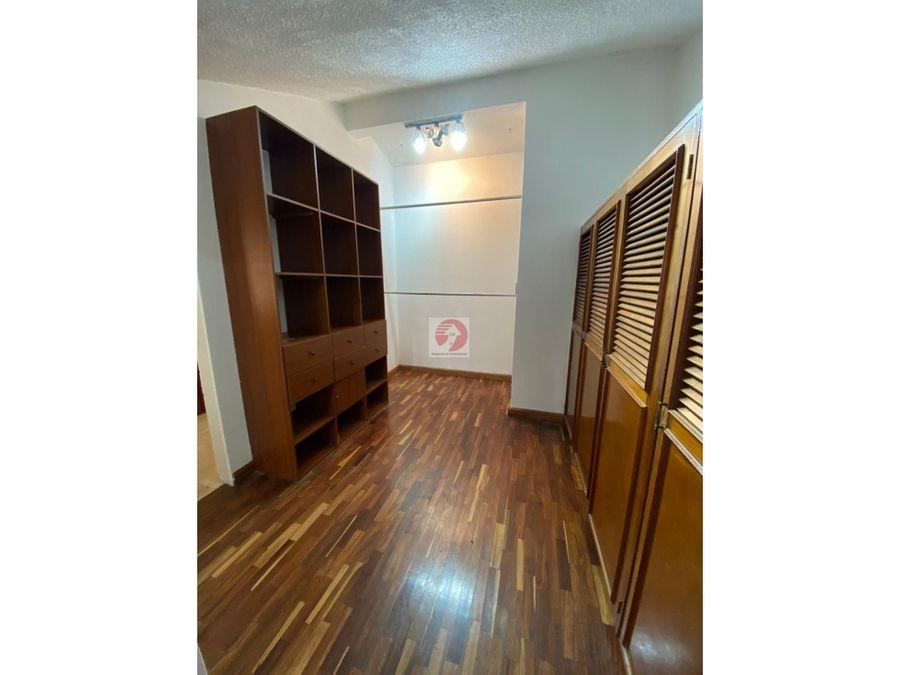 casa con espacios amplios en condominio zona 10