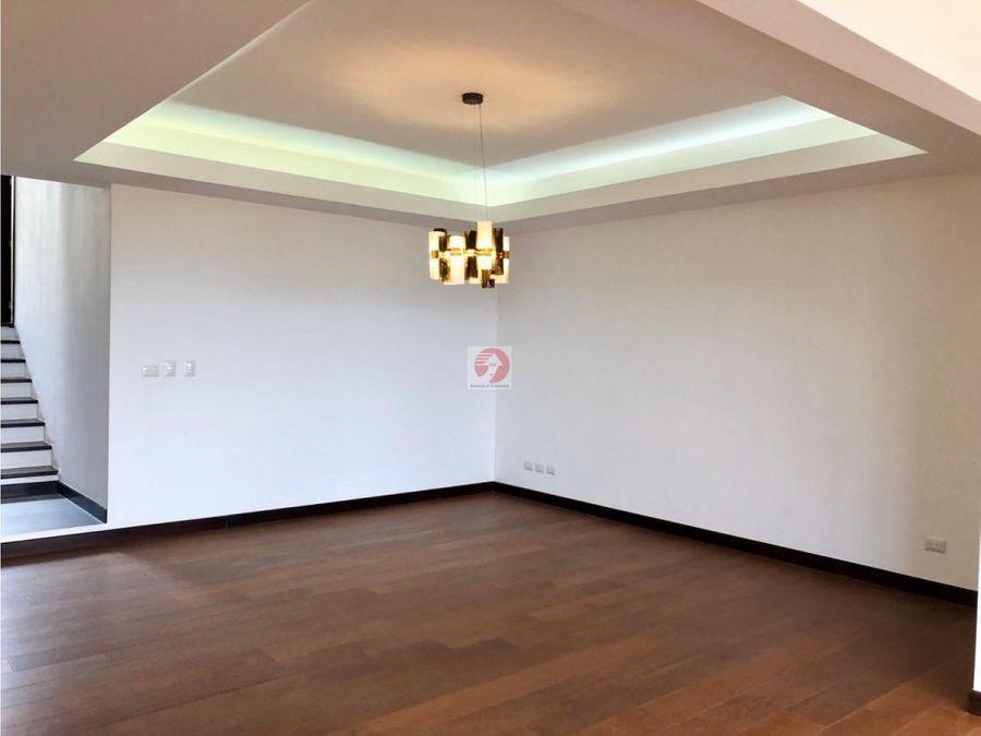 casa en venta lomas de san isidro zona 16