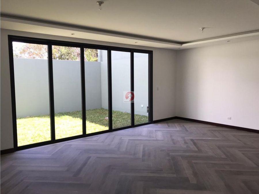venta de casa para estrenar en zona 15