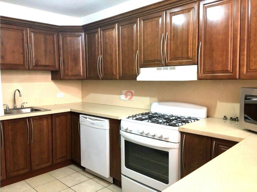 alquiler casa de 3 habitaciones en colonia zona 10 muy centrico