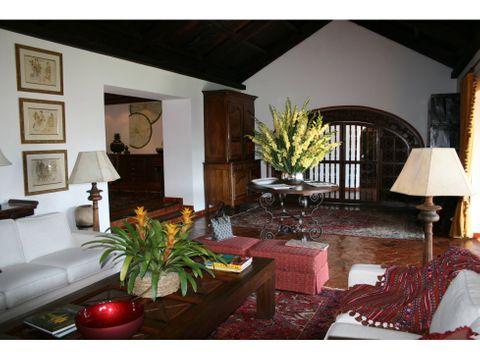 alquilo casa en antigua guatemala sacatepequez