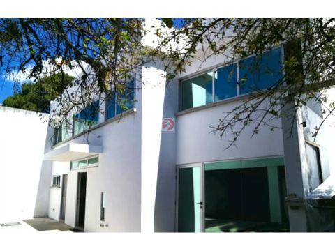 casa en alquiler con espacios amplios para oficina o vivienda z10