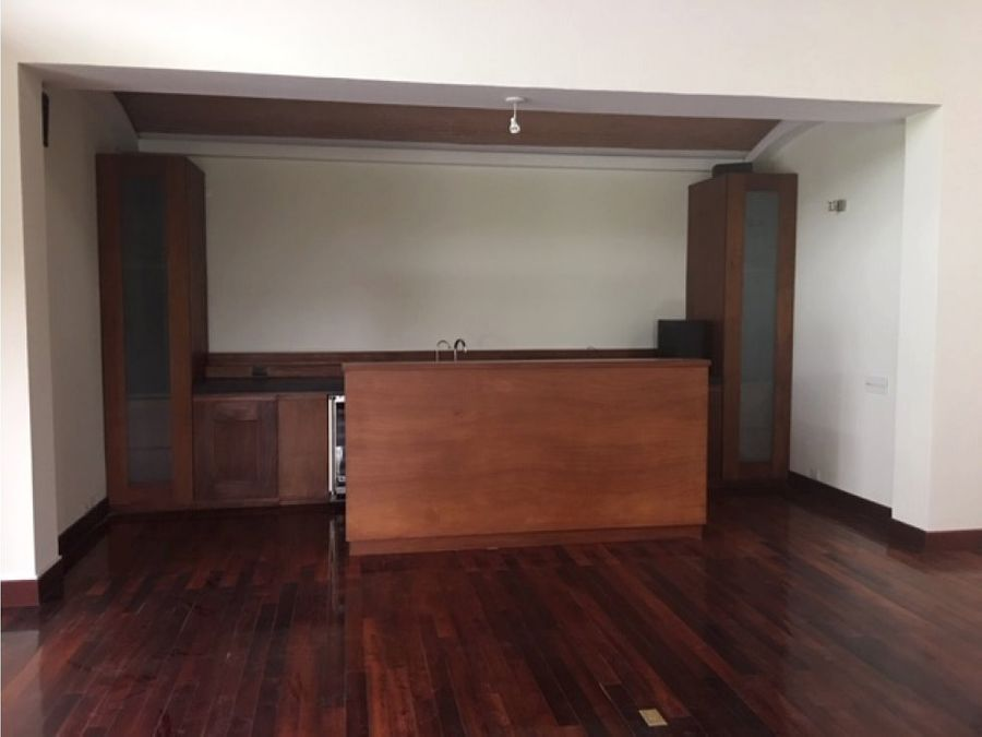 vendo y alquilo casa en zona 16 club san isidro