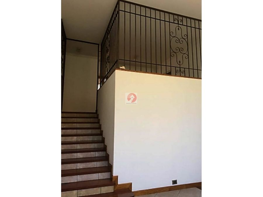 venta casa de 4 habitaciones condominio las luces caes