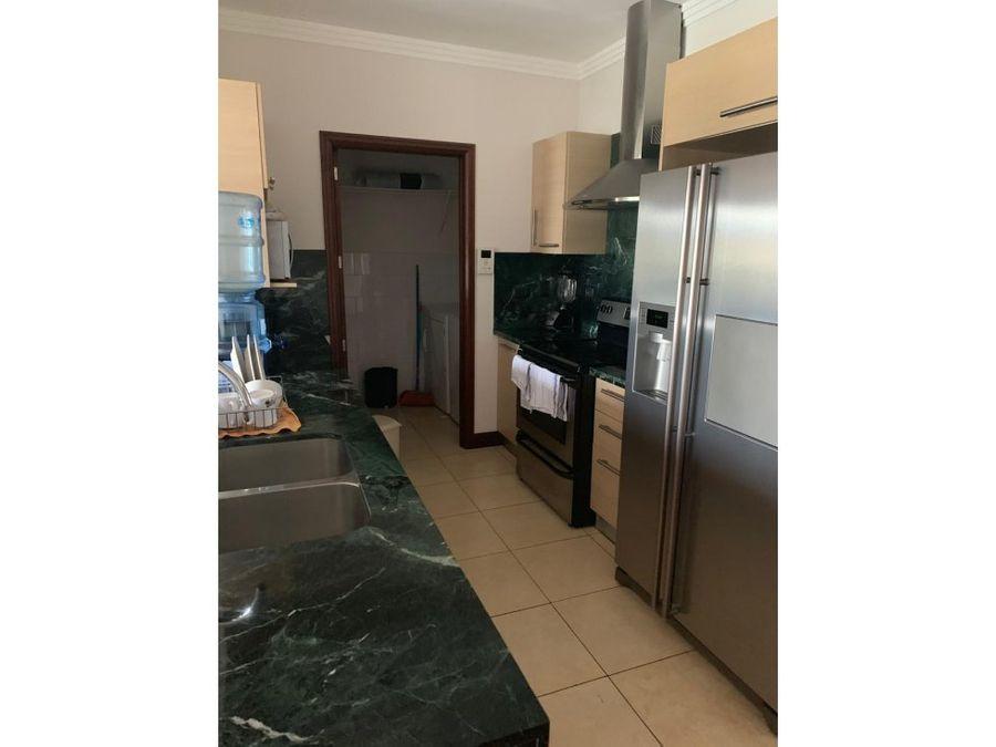 apartamento en alquiler de 2 habitaciones zona 10