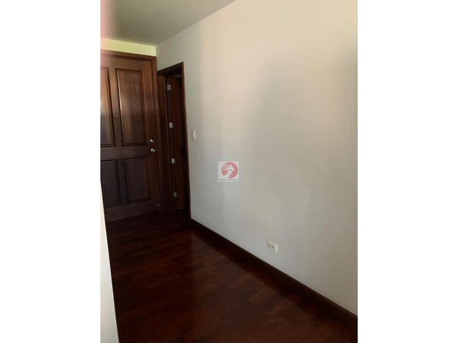 apartamento con excelente vista en ubicacion centrica zona 10