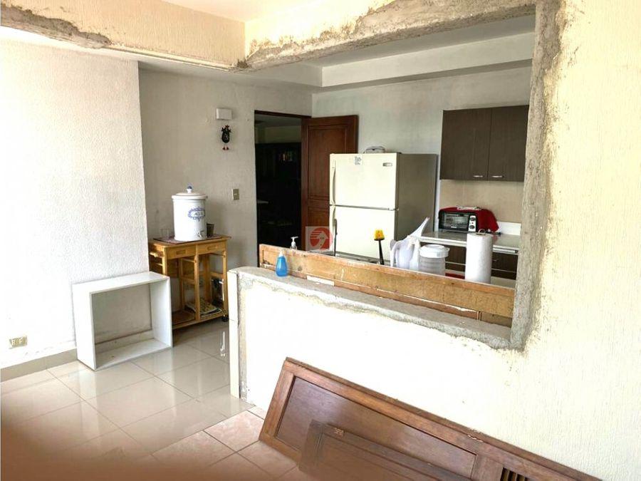 apartamento de 2 habitaciones en venta zona 10 ubicacion centrica