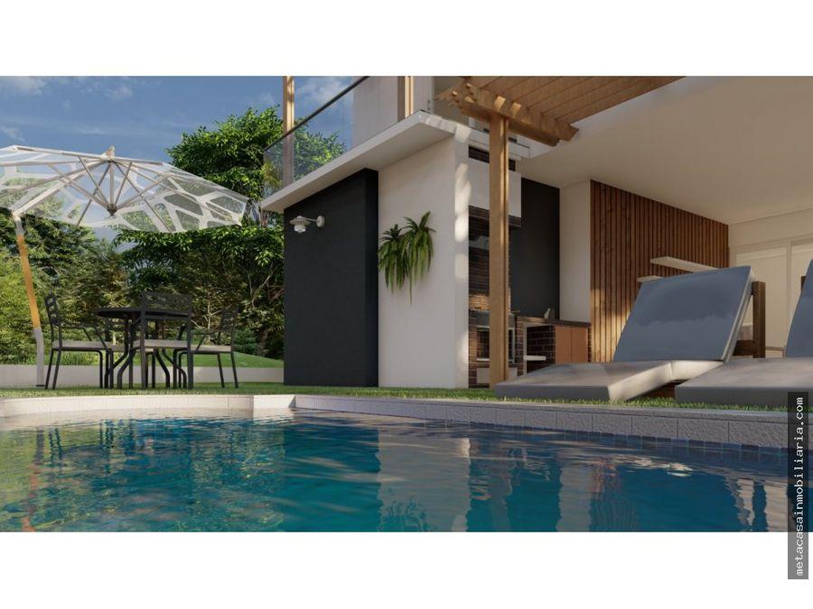 elegantes casas para este ano con patio piscina o pergolado
