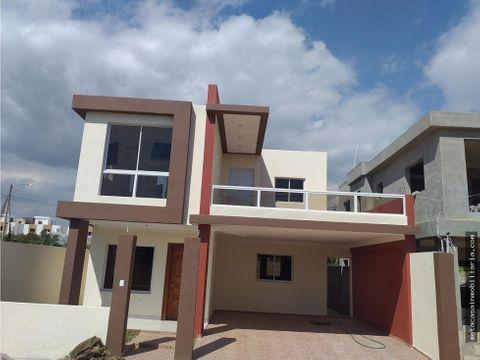 casa de 2 niveles moderno diseno san isidro 4900