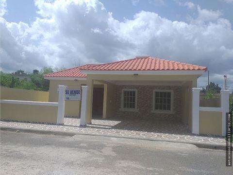 hermosa casa lista con terminacion de alta calidad en prado oriental