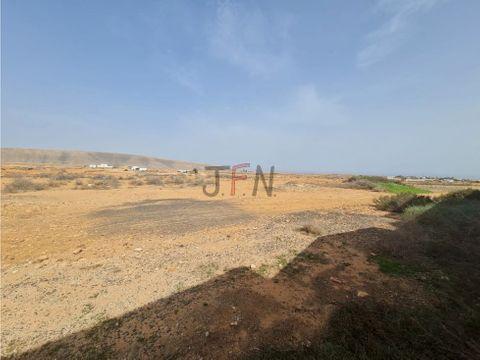 se vende terreno edificable en la caldereta