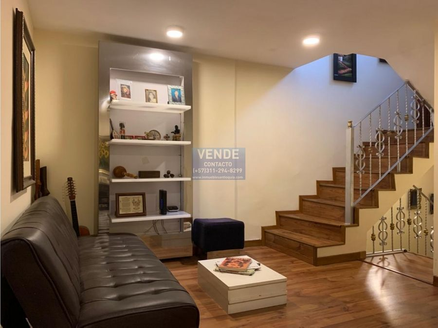 hermosa casa 3 niveles exclusivo sector el poblado permutable