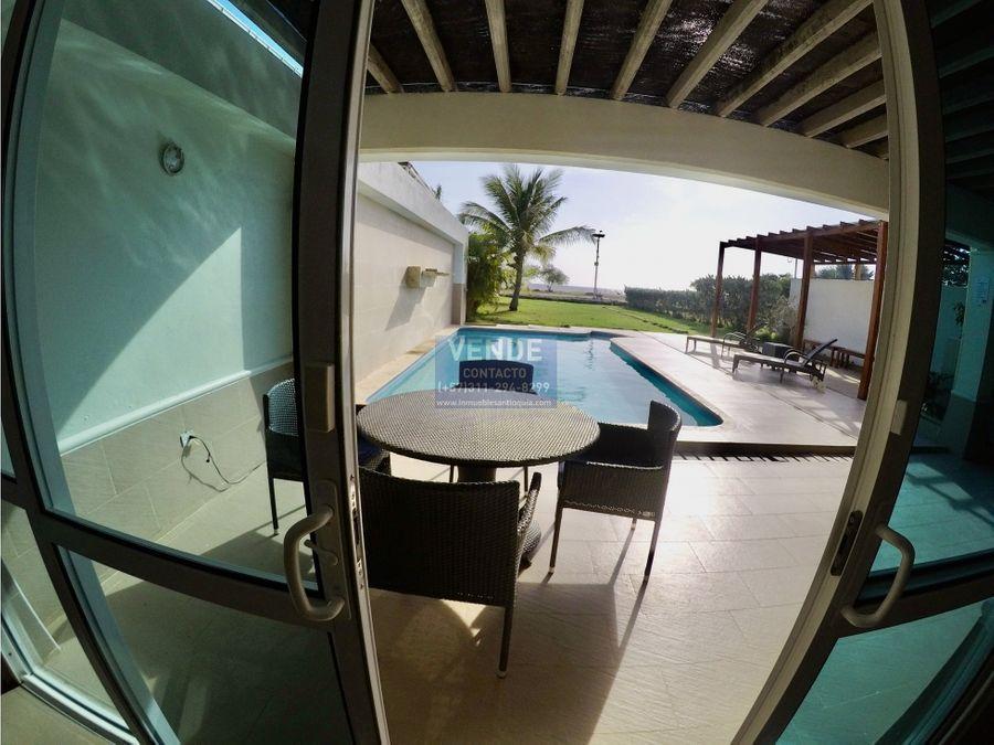 casa de lujo frente al mar caribe piscina y energia solar