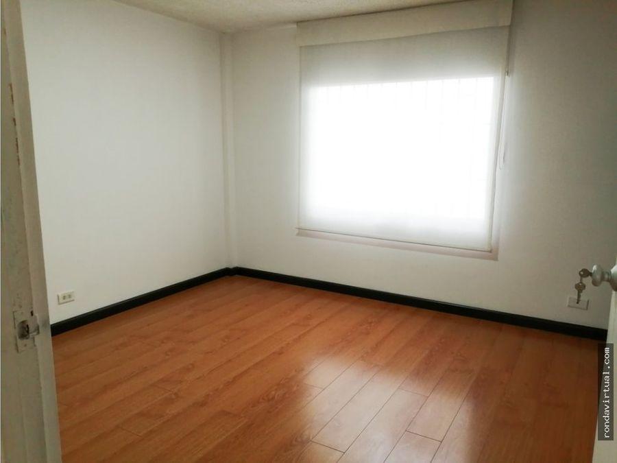 apartamento primer piso con garaje sector carabelas