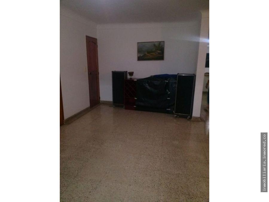 se vende casa en el refugio