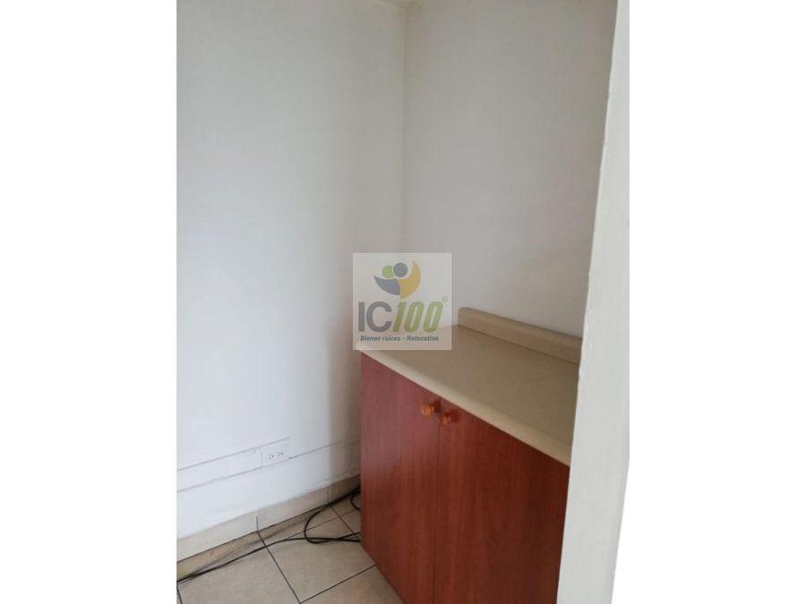 ic100 renta oficina zona 10 guatemala