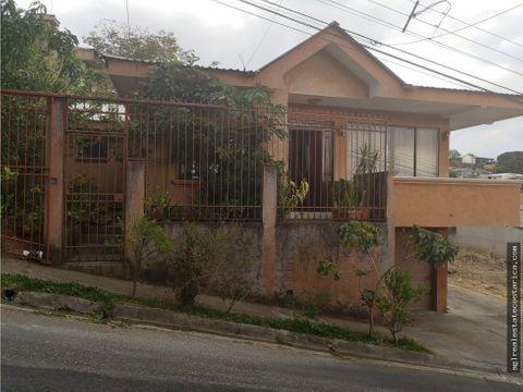 se vende casa grecia centrica