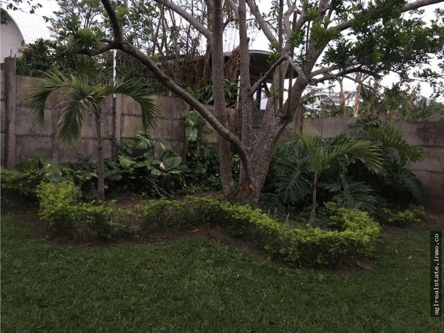residencia de lujo dos plantas gran terreno
