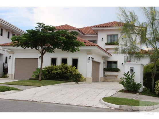 vendo alquilo amplia casa en fairway estates