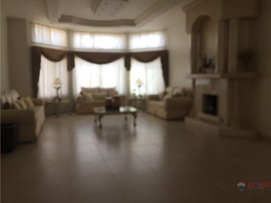 lujosa residencia con bonita vista