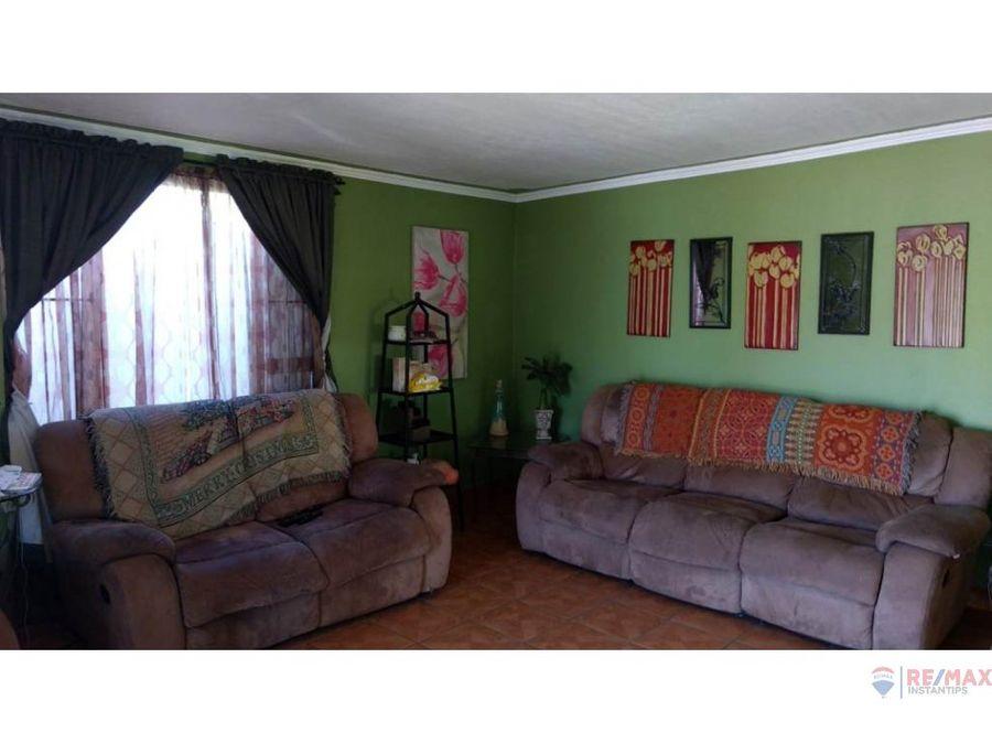 casa en venta en las lomitas