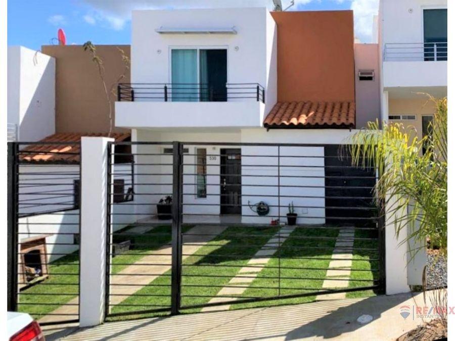 casa en renta en privada de puerta del mar