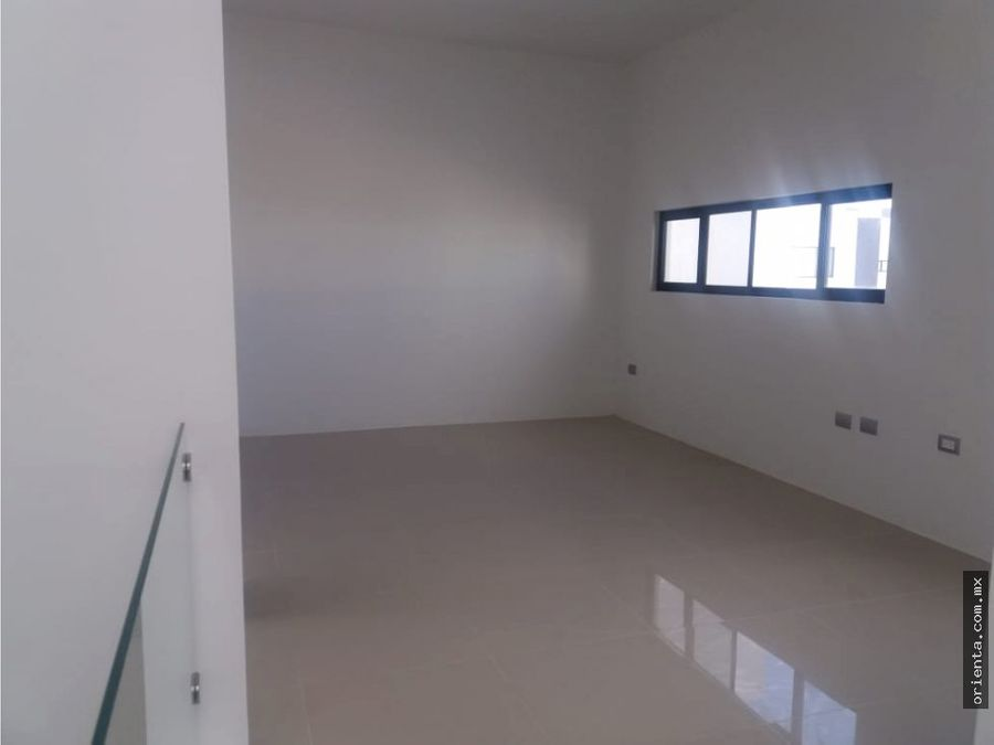 casa en renta en fracc privado altaria 7