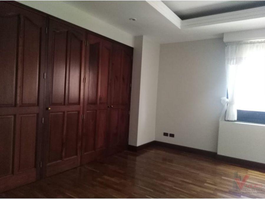 renta apartamento en 8 avenida zona 10