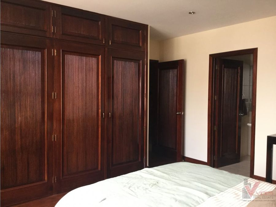 renta apartamento en 4 avenida zona 14