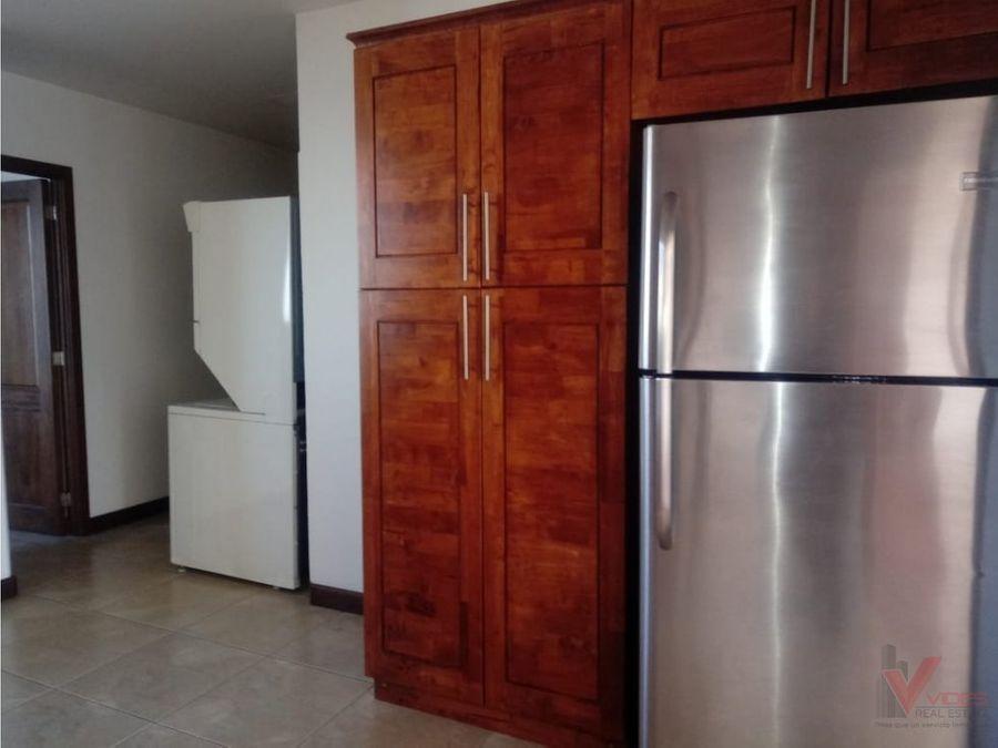 renta apartamento en zona 15 20 avenida
