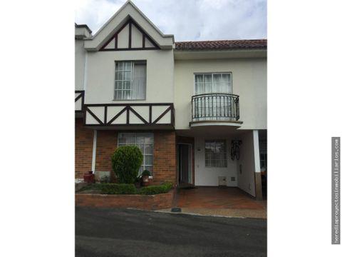 venta casa av centenario