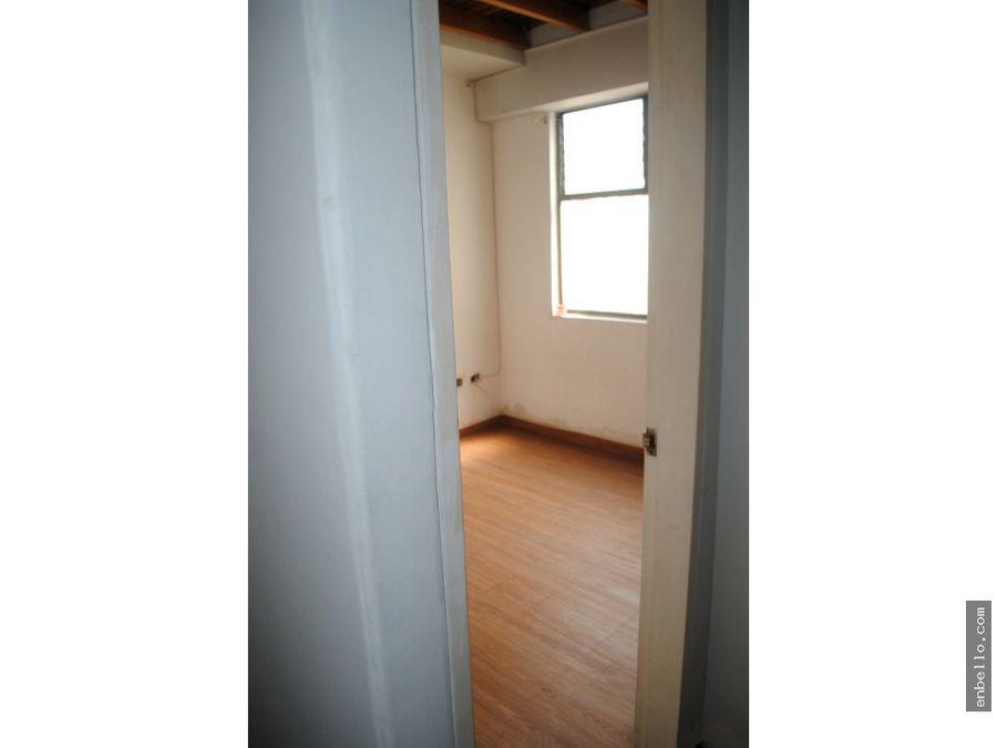 vendo apartamento 2 niveles frente al exito 80