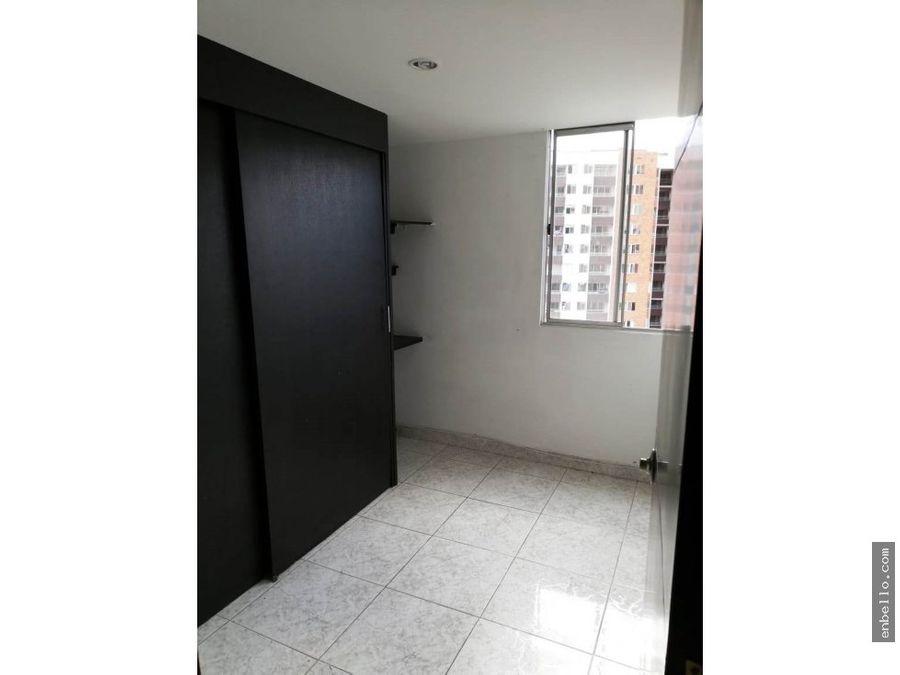 apartamento puerta madera bello piso17