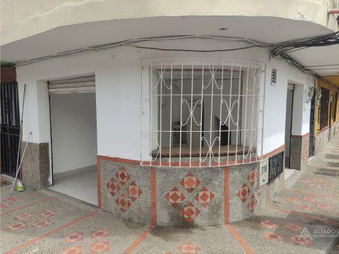 local muy bien ubicado en copacabana