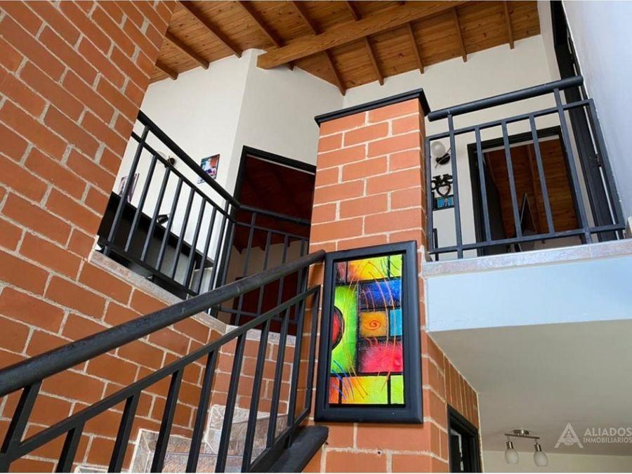 hermosa casa en sector suramerica