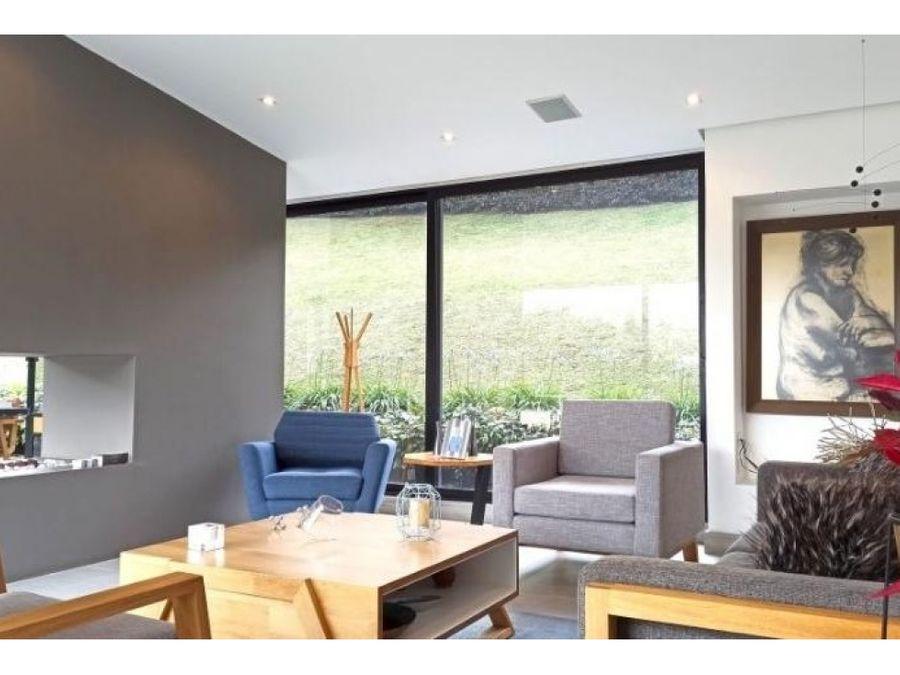 venta espectacular casa en envigado sector alto de las palmas