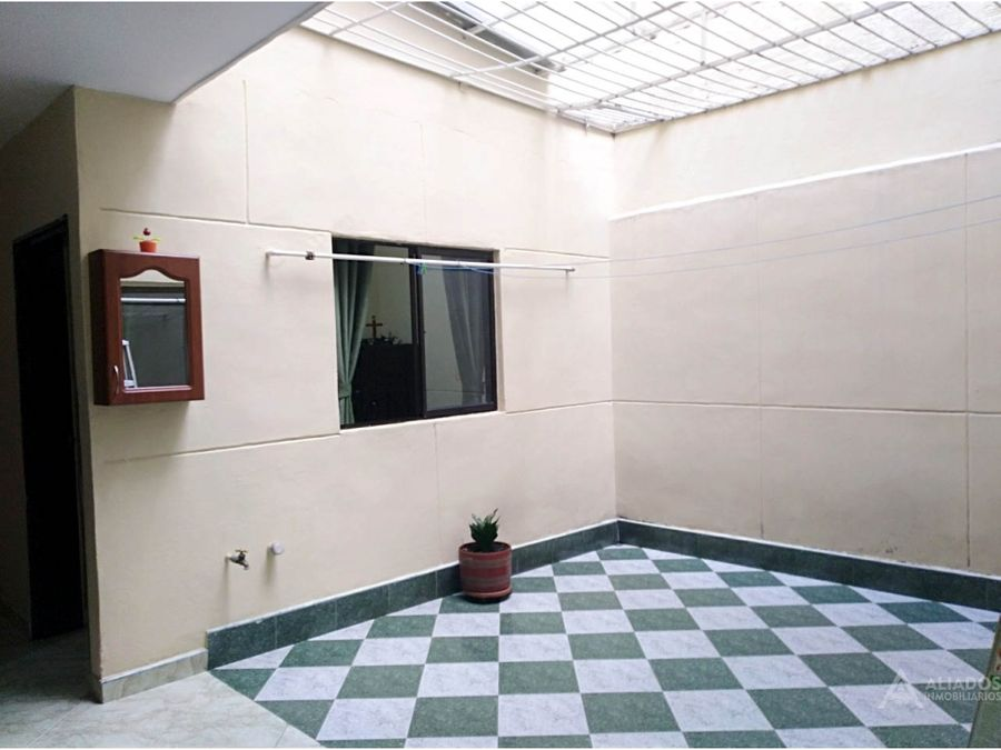 venta de agradable casa en segundo piso en itagui