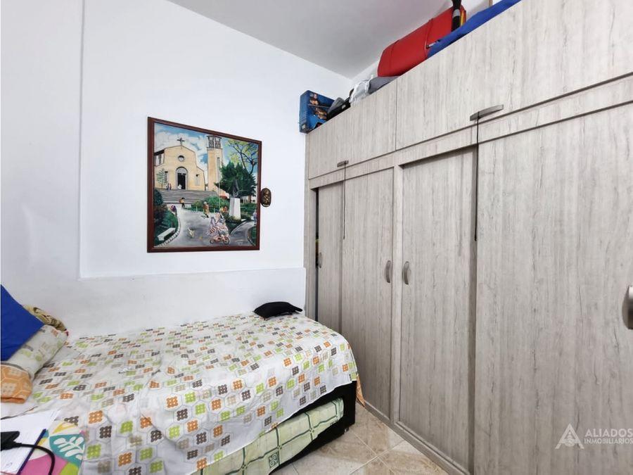 vendo casa 1er piso ubicada en santa lucia medellin