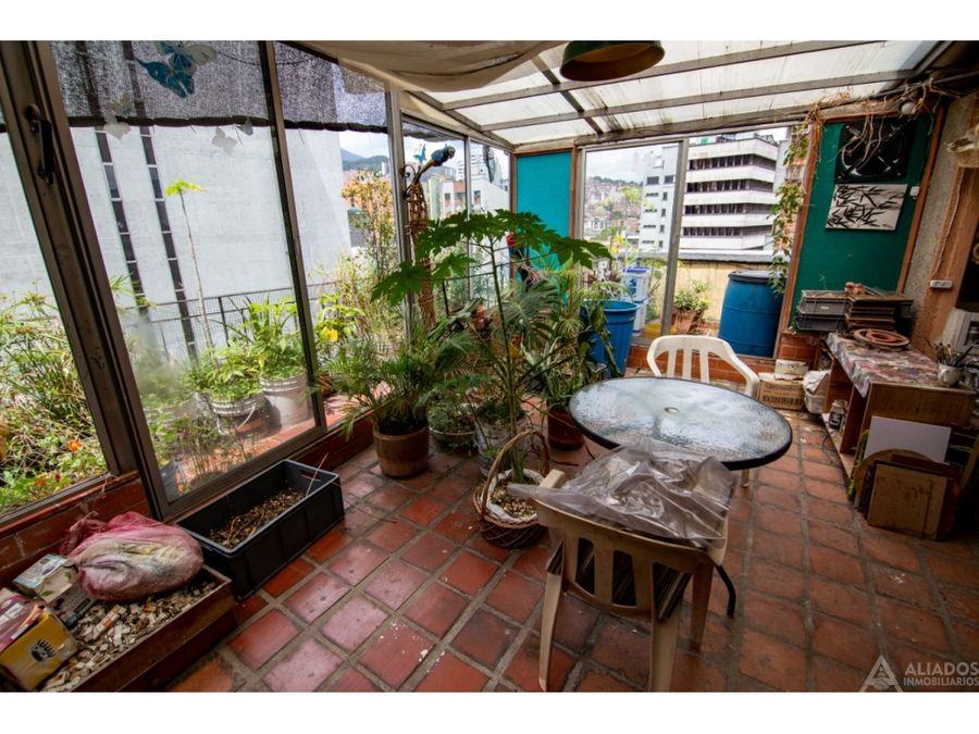 se vende apartamento en ubicacion central remodelado