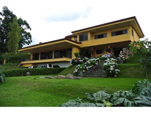 se vende casa en colinas de montealegre