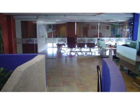 edificio comercial y oficinas