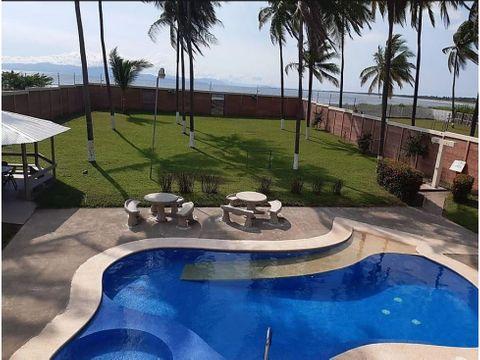 hermosa casa con piscina frente a playa puntarenas 1399mts